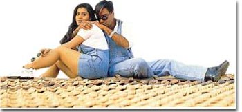 Ajay Decides To Woo Kajol Again! - Planet Bollywood News