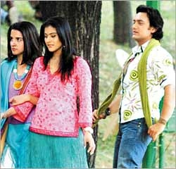 http://www.planetbollywood.com/Pictures/Posters/Fanaa/Fanaa3P.jpg