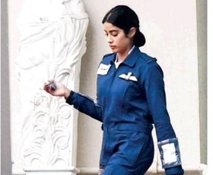 Jahnvi as Gunjan Saxena