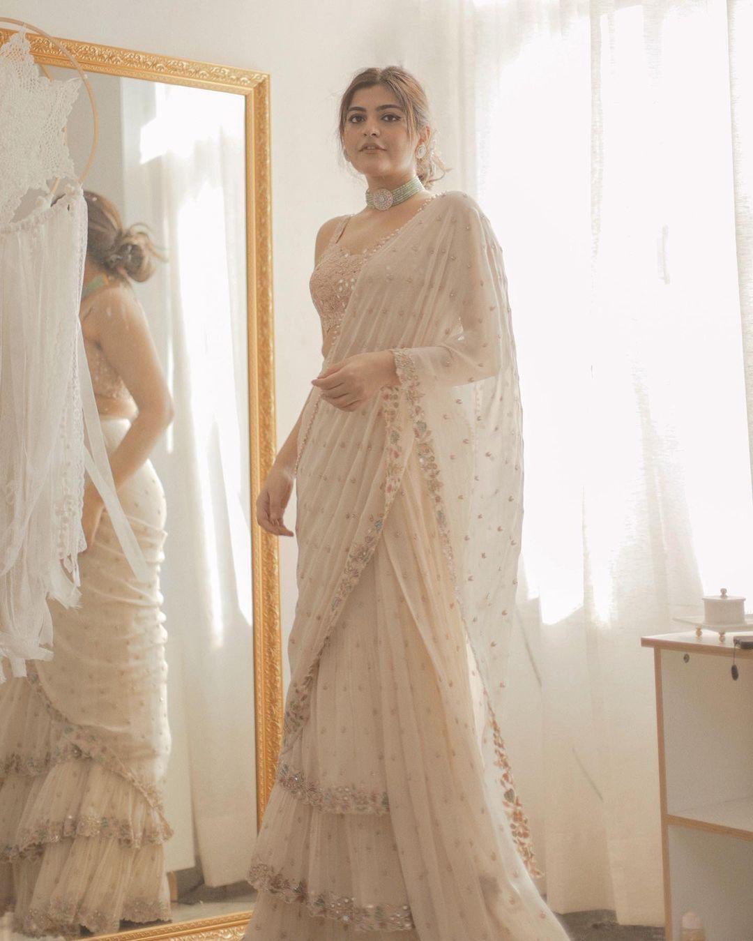 Kritika Khurana is looking super gorgeous in this sari from designer Arpita Mehta.