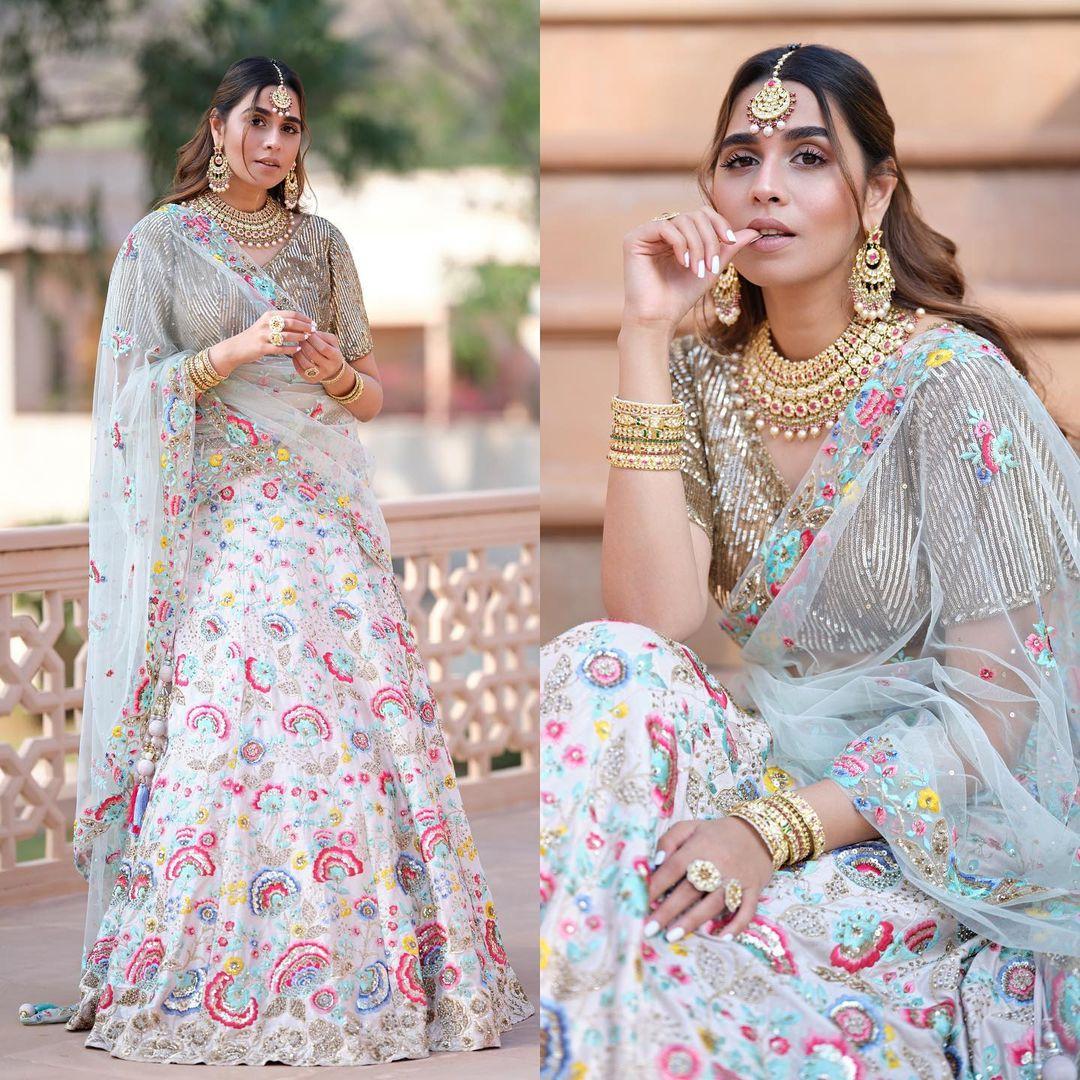 Summiyya is looking effortlessly stunning in this vibrant lehenga.