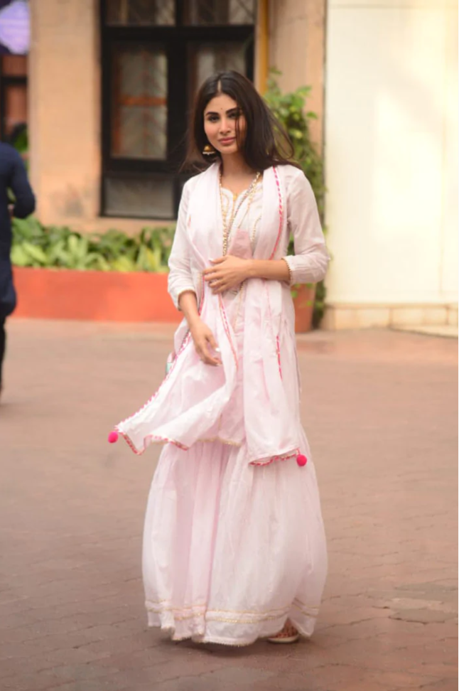 Mouni Roy looking stunning as she Heads Out In A Stylish Sharara || Planet Bollywood || Media Tribe || The uncovered